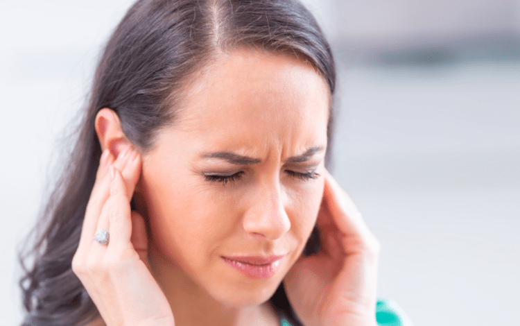 does tinnitus go away by itself